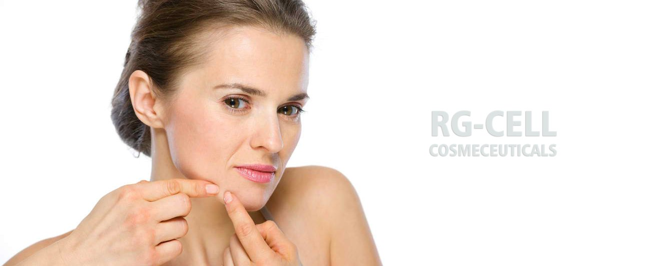 Cleaning the Face With Products That Contain Salicylic Acid