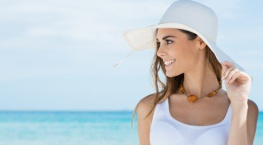 Protecting Face and Neck with a Sun Protection Hat